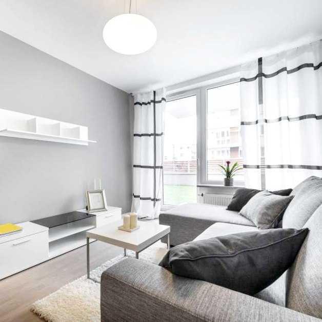 Почему натяжные и подвесные потолки лучше изделия чем потолки из гипсокартона?
