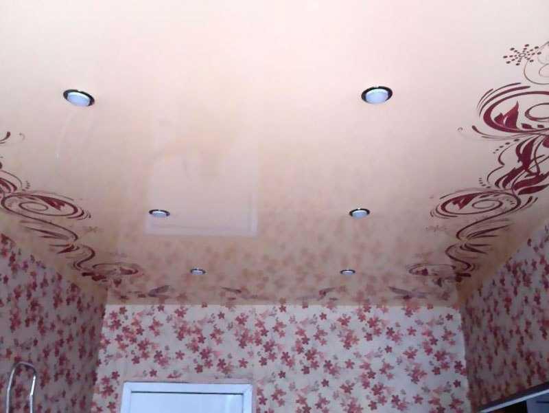 Натяжные потолки в Колпино