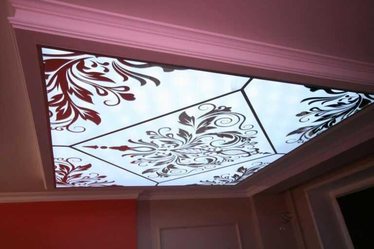 Парящие (светящиеся) натяжные потолки в Санкт-Петербурге