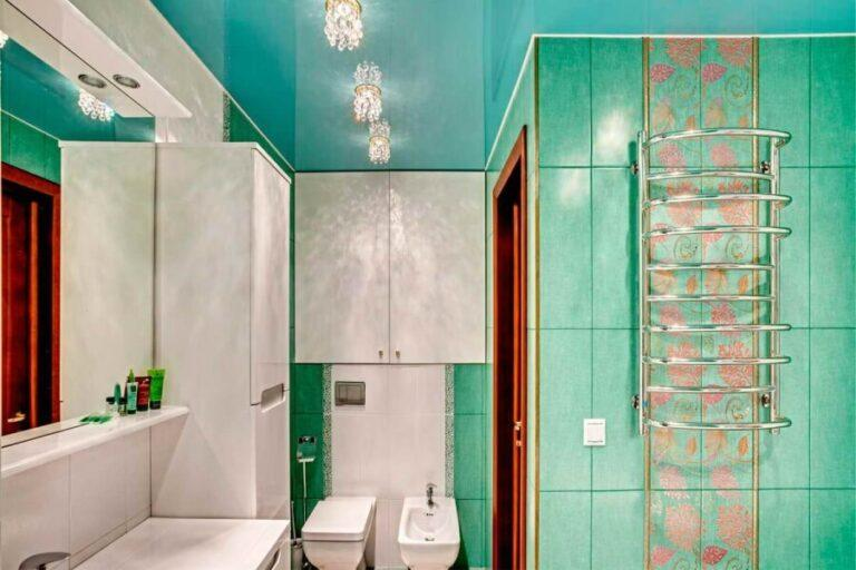 Какой потолок сделать в ванной СПб?