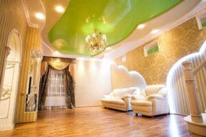 Цветные натяжные потолки в Санкт-Петербурге