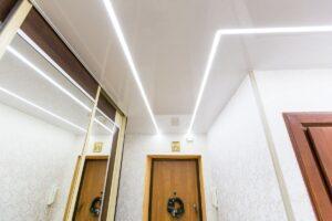 Световые линии на натяжном потолке в Москве