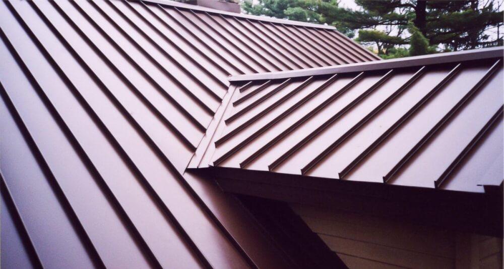 Монтаж крыши из металлочерепицы в Санкт-Петербурге
